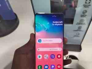 Samsung Galaxy S10 Plus 6.4-inch QFHD+ Display