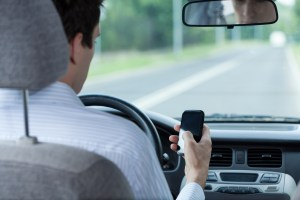 Los-Angeles-Distracted-Driving-Accidents-Attorneys-Lawyers