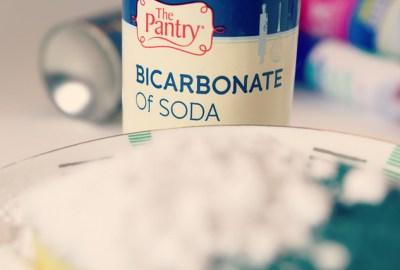 https://www.flickr.com/photos/thriftyuk/10447422154 bicarbonate of soda