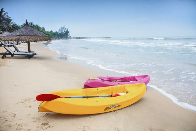 2015_VPT_Beach_Kayaking_Marcom (3)