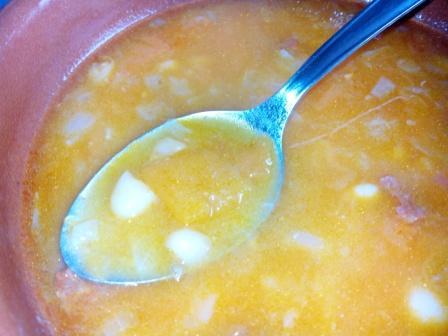 HABICHUELAS CON CALABAZA. Una receta de cuchara ideal para los días fríos de invierno. Además, es barata, está rica y es muy saludable.