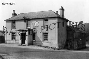 The Donheads, The Castle Inn c1955