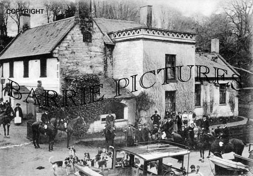 Stourton, The Hunt at the Spread Eagle c1920