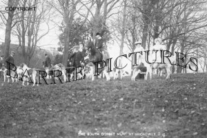 Broadway, The South Dorset Hunt c1910