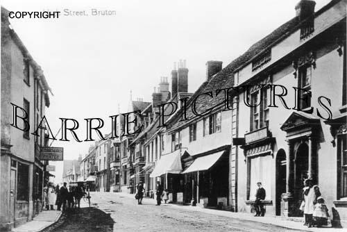 Bruton, High Street c1900