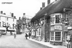 Castle Cary, The George Hotel and Market Place c1955