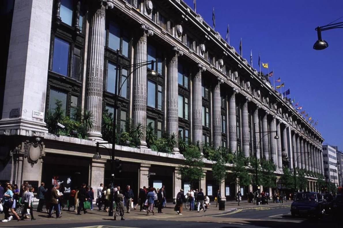 Selfridge's store on Oxford Street in London (photo credit: freefoto.com)