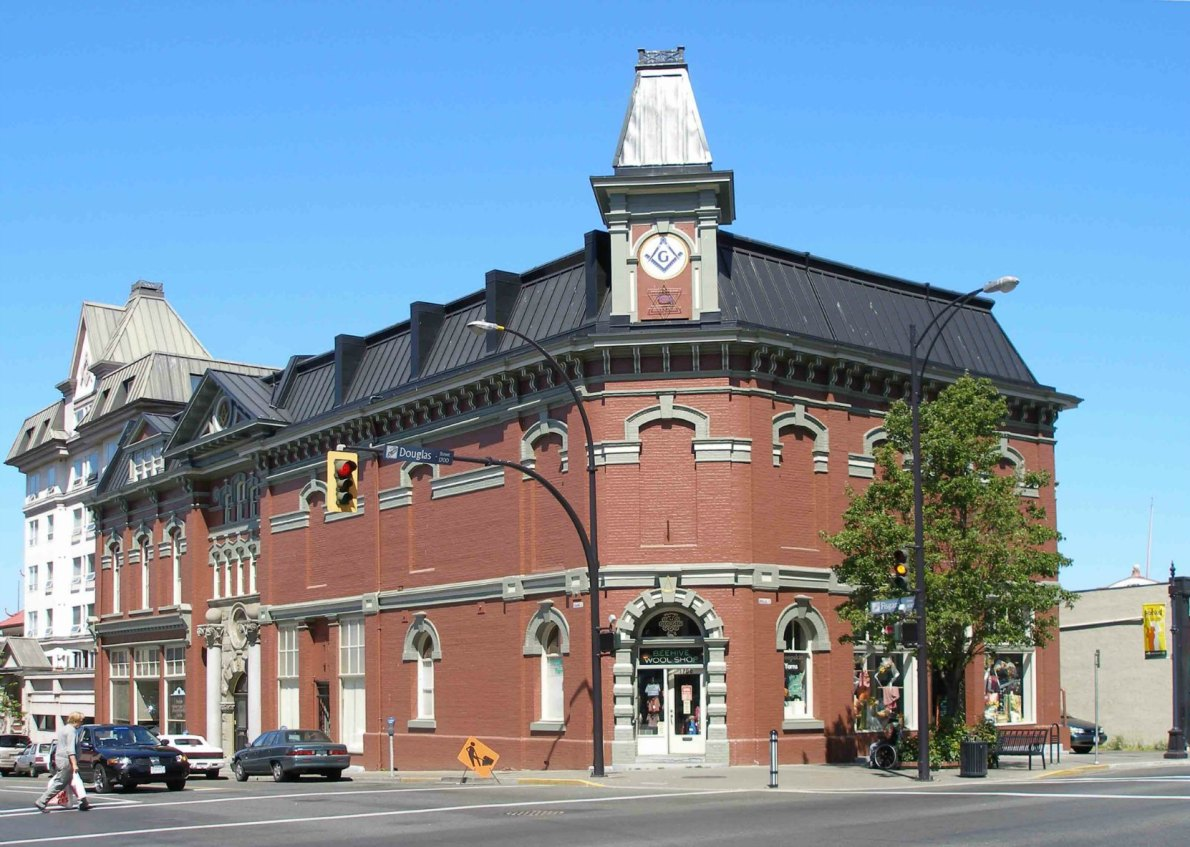 Victoria Masonic Temple, 650 Fisgard Street, built in 1878 with additions in 1909 (photo by Victoria Online Sightseeing Tours)