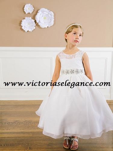 www.victoriaselegance.com # TTU5647