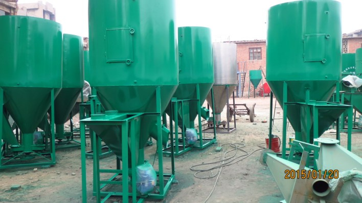 feed grinder mixer for cattle feed