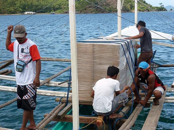 A short boat hop