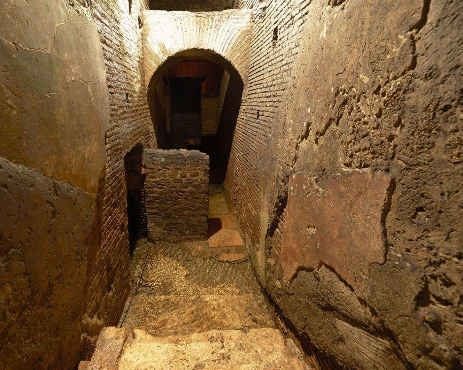 Vicus Caprarius, perto da Fontana de Trevi. Roma subterrânea