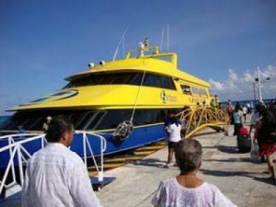 Ferry Boat - Playa del Carmen - México