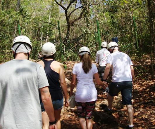 Trilha - Gruta do Lago Azul