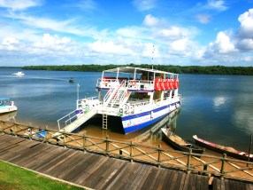 Passeio de catamarã - Aracaju - SE