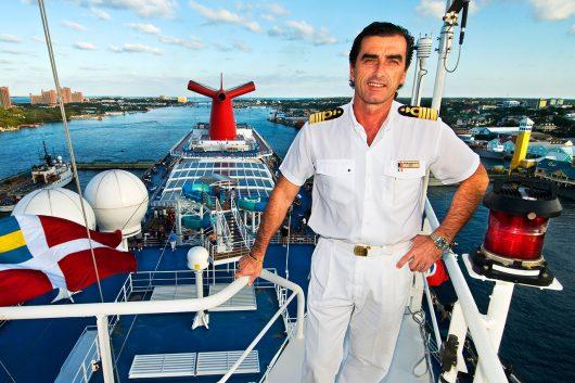 Profissão comandante de navio