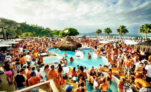 Várias festas e baladas em Florianópolis como na P12