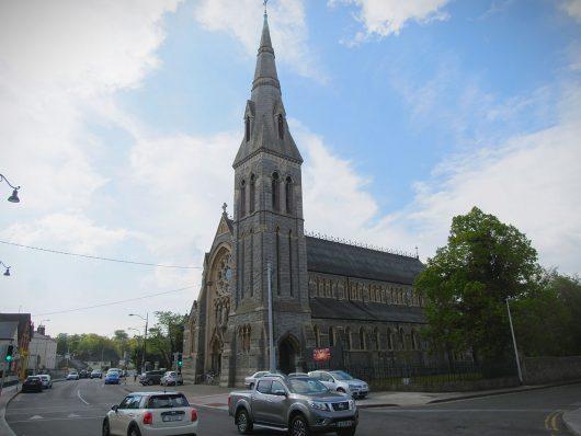 Dún Laoghaire - Igreja