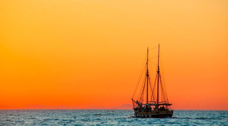 4 tipos de barcos para passear