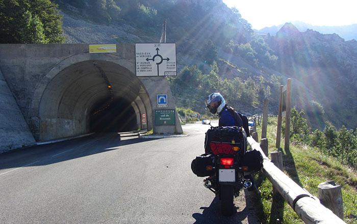 Los 5 consejos para viajar en moto que nadie te cuenta