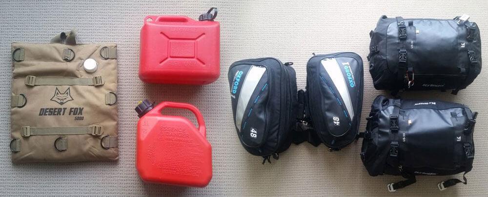 Gasolina y bolsas de equipaje