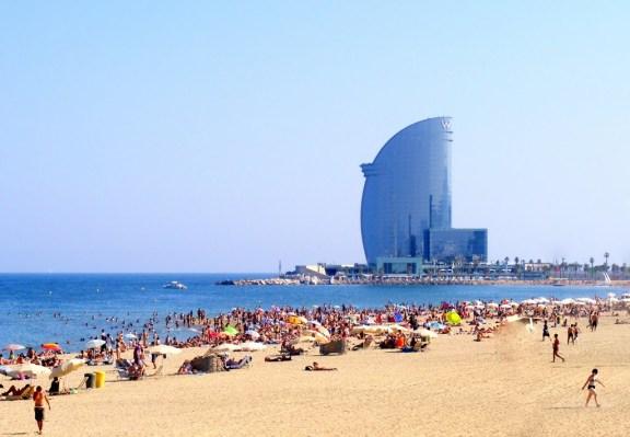 Пляжі Барселони