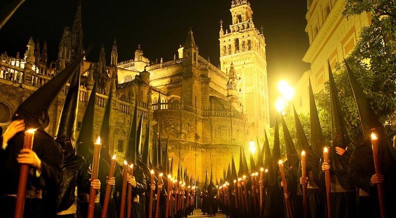 Семана Санта в в Севильи