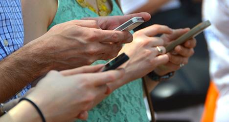 WhatsApp, принадлежащий Facebook, является любимым приложением для обмена сообщениями среди 98% опрошенных