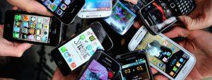 Lançar celulares e mais celulares. Quando menos é mais