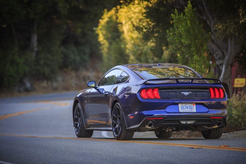 10-Ford Mustang 2018 Kona Blue (Foto: Divulgação)