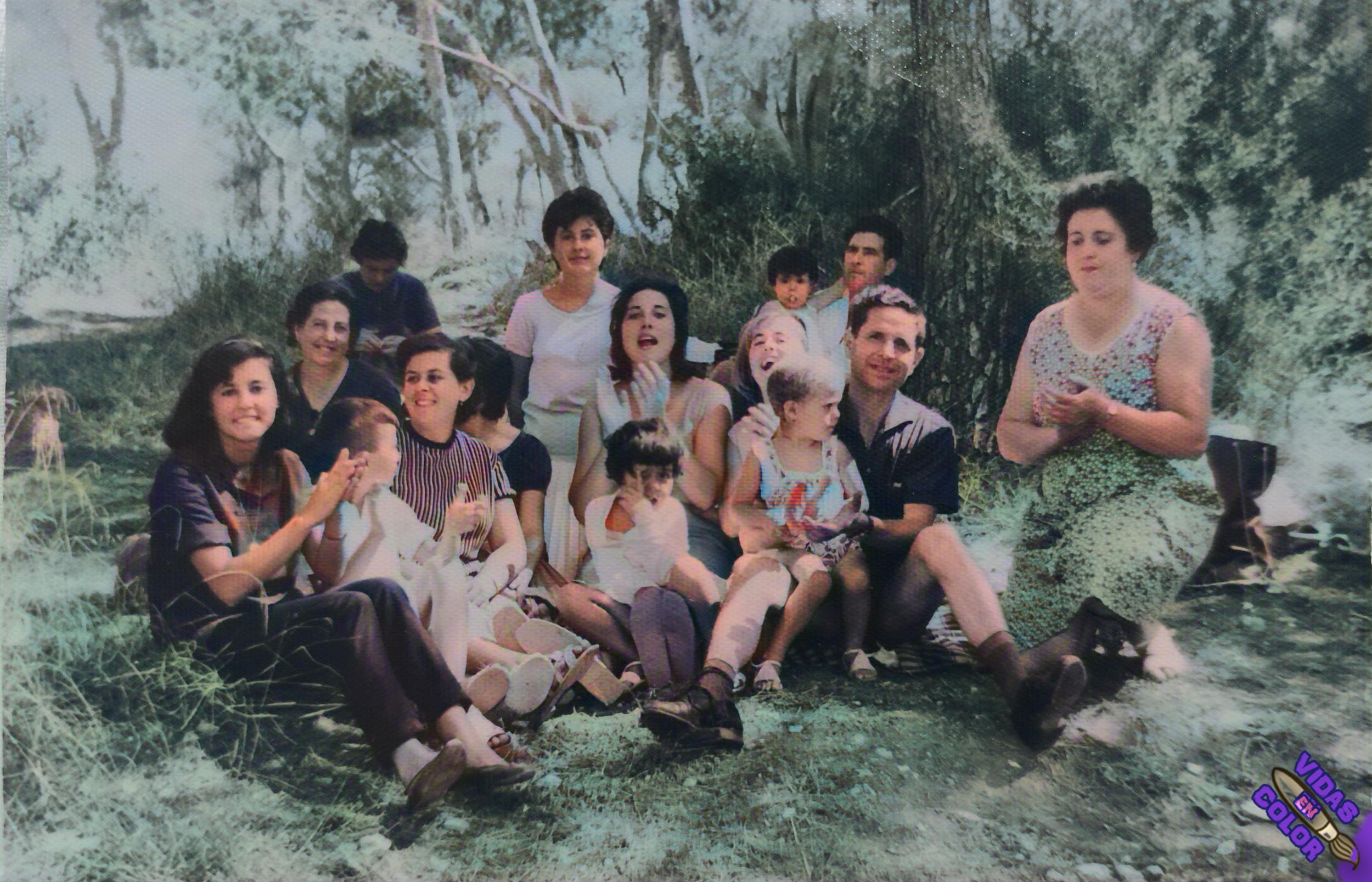 familia_en_el_campo_color