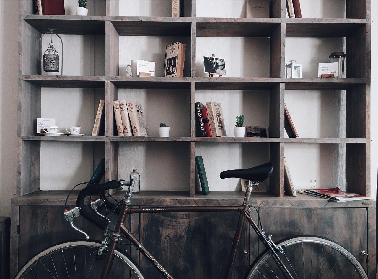 A casa, o carro e as bicicletas