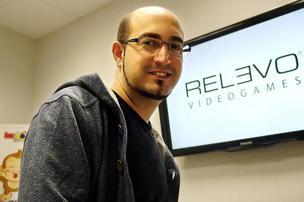 El CEO y director creativo de Relevo Videogames es Jon Cortázar.