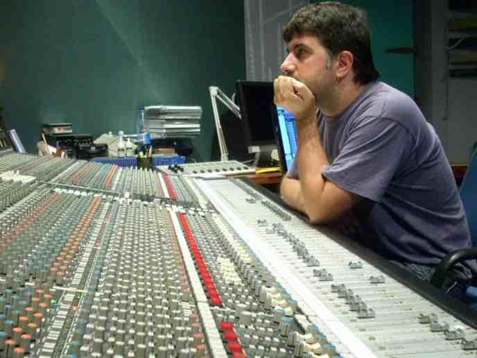 Mikel Krutzaga durante la grabación de la banda sonora del videojuego Castlevania: Lords of Shadows