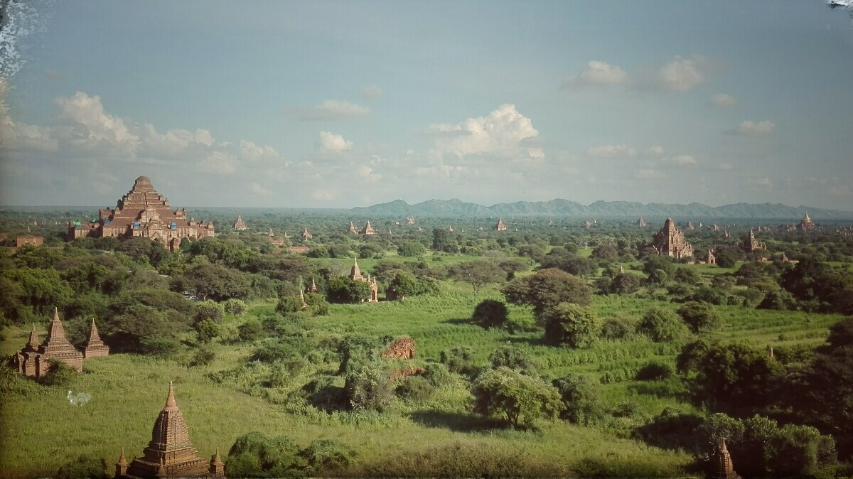 Videonauts backpacking Burma Bagan
