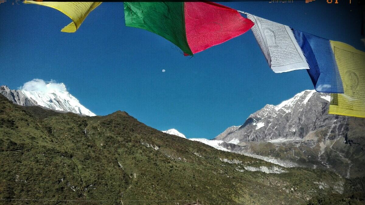 Videonauts backpacking Nepal Manaslu Circuit Peaks
