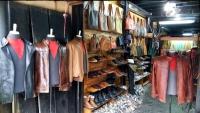 Videonauts backpacking Vietnam Hoian shops