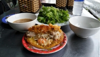 Videonauts backpacking Vietnam Hue Food