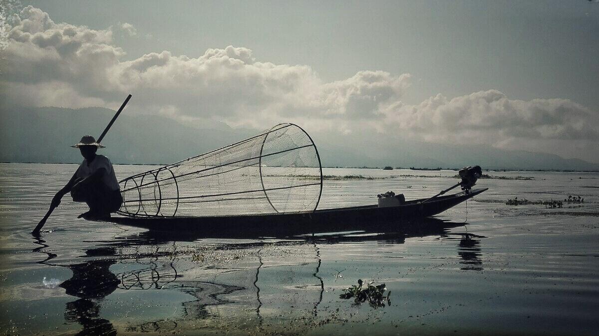 Videonauts-backpacking-Burma-Inle-Lake