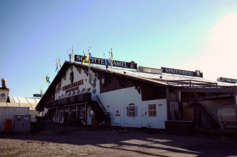 Videonauts Oktoberfest Wiesn Aufbau Schottenhammel