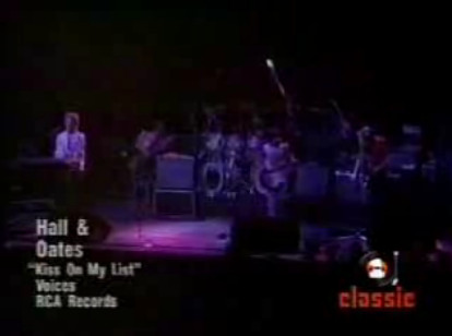 Daryl Hall John Oates Kiss On My List Music Video Lyrics