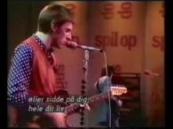 The Jam – Precious lyrics Your precious love that means so much Will it ever stop or will I just lose touch What I want to say but my words […]