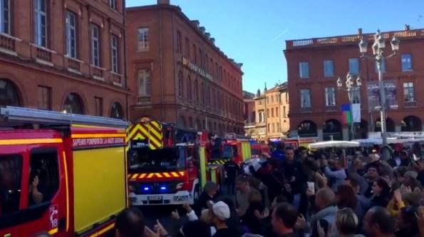 pn-les-pompiers-toulousains-manifestent-avec-les-policiers-en-colere