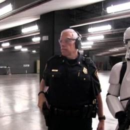 us-ce-stormtrooper-echoue-tous-les-ans-au-concours-de-policier-de-fort-worth
