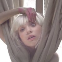 SIA'S SWINGING PARTY GIRL