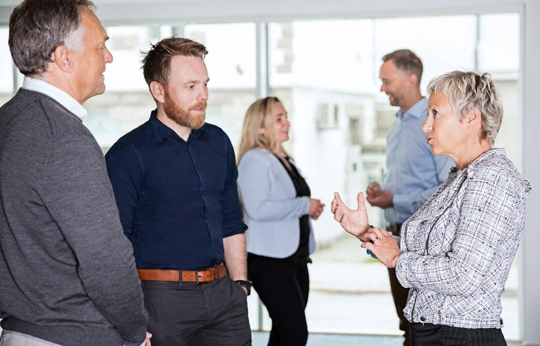 Bilde av studenter på første samling for Digital Strategi og ledelse i Ålesund