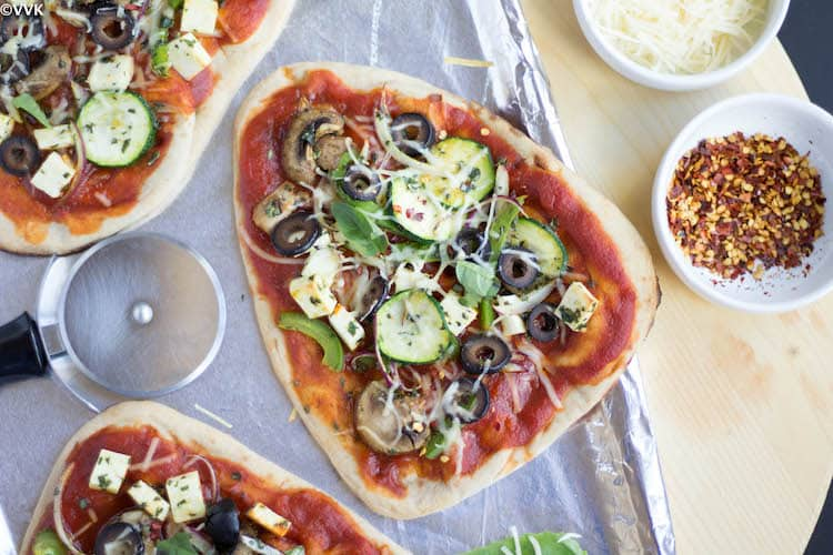 VegetarianNaanPizza