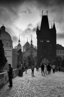 Prag, Karlov most ujutro - Prague Charles Bridge morning walk
