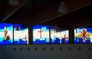 Fabricación de vidrieras de plomo para iglesias