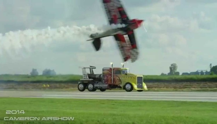 Airshow Pilots Execute Pyrotechnics Perfectly